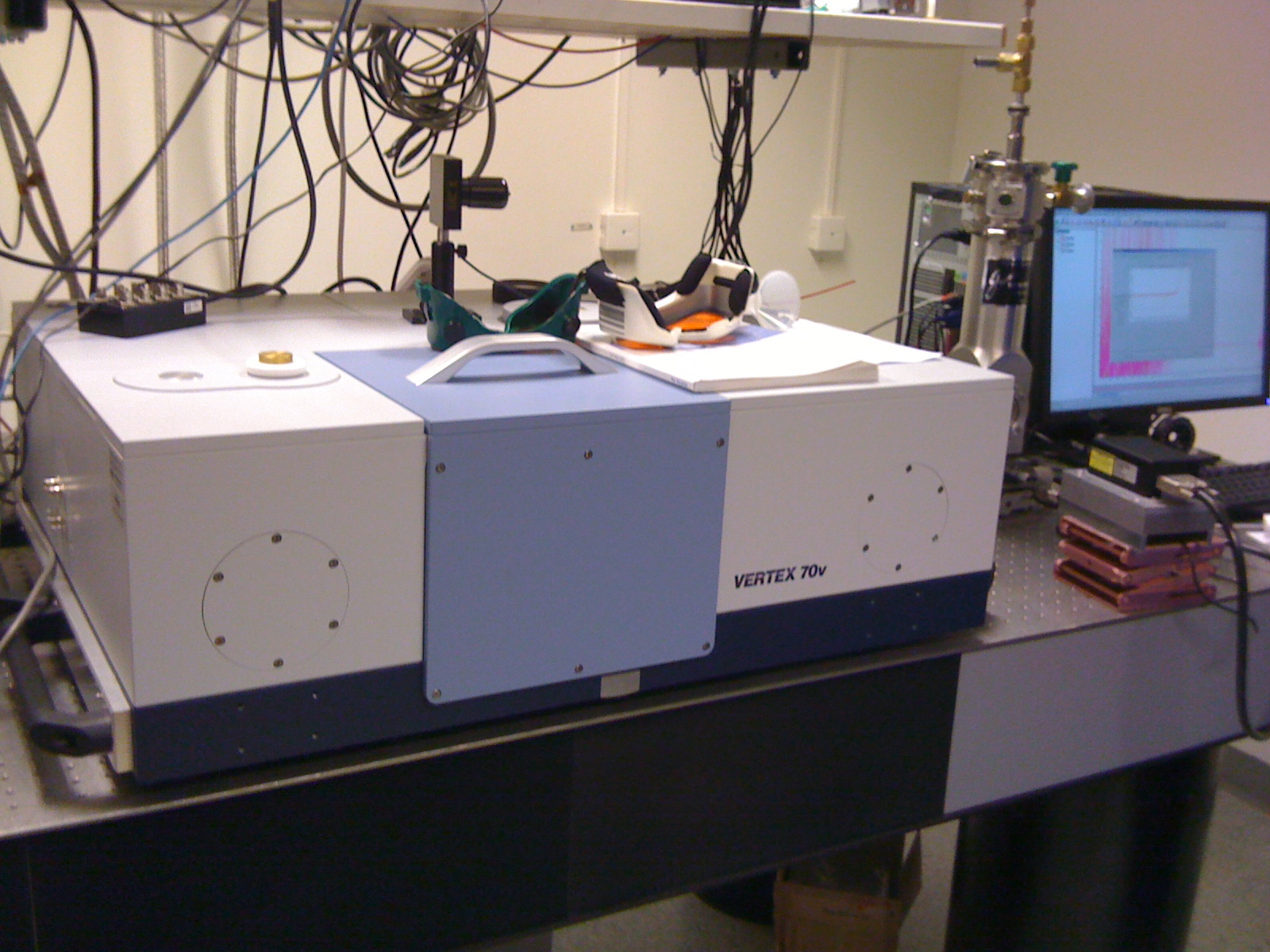 Picture of FTIR Spectrometer